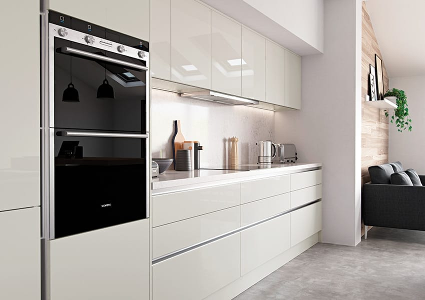 Modern kitchen design in gloss finish by Grappenhall Kitchen Company